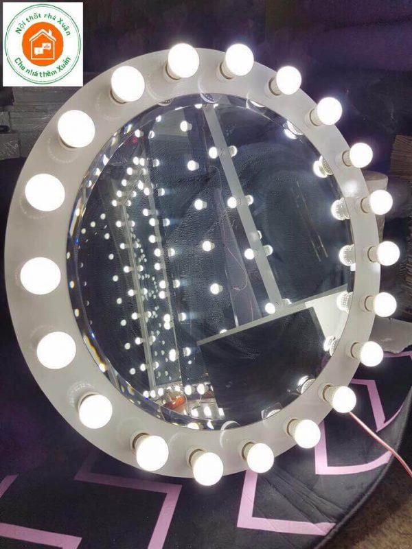 Gương tròn gắn bóng đèn led